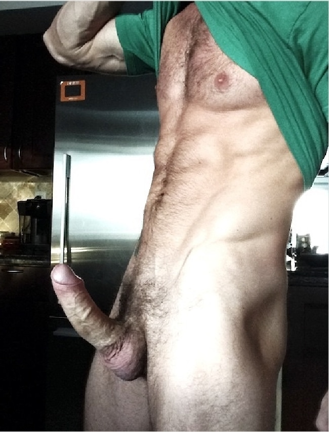Muscular Hairy Man With A Fat Cock - Sexy Nude Twinks